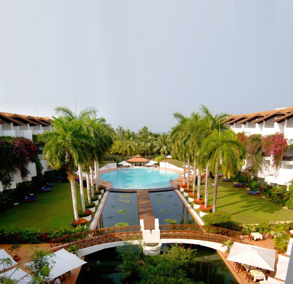 Lanka Princess - Aussicht auf Pool und Anlage