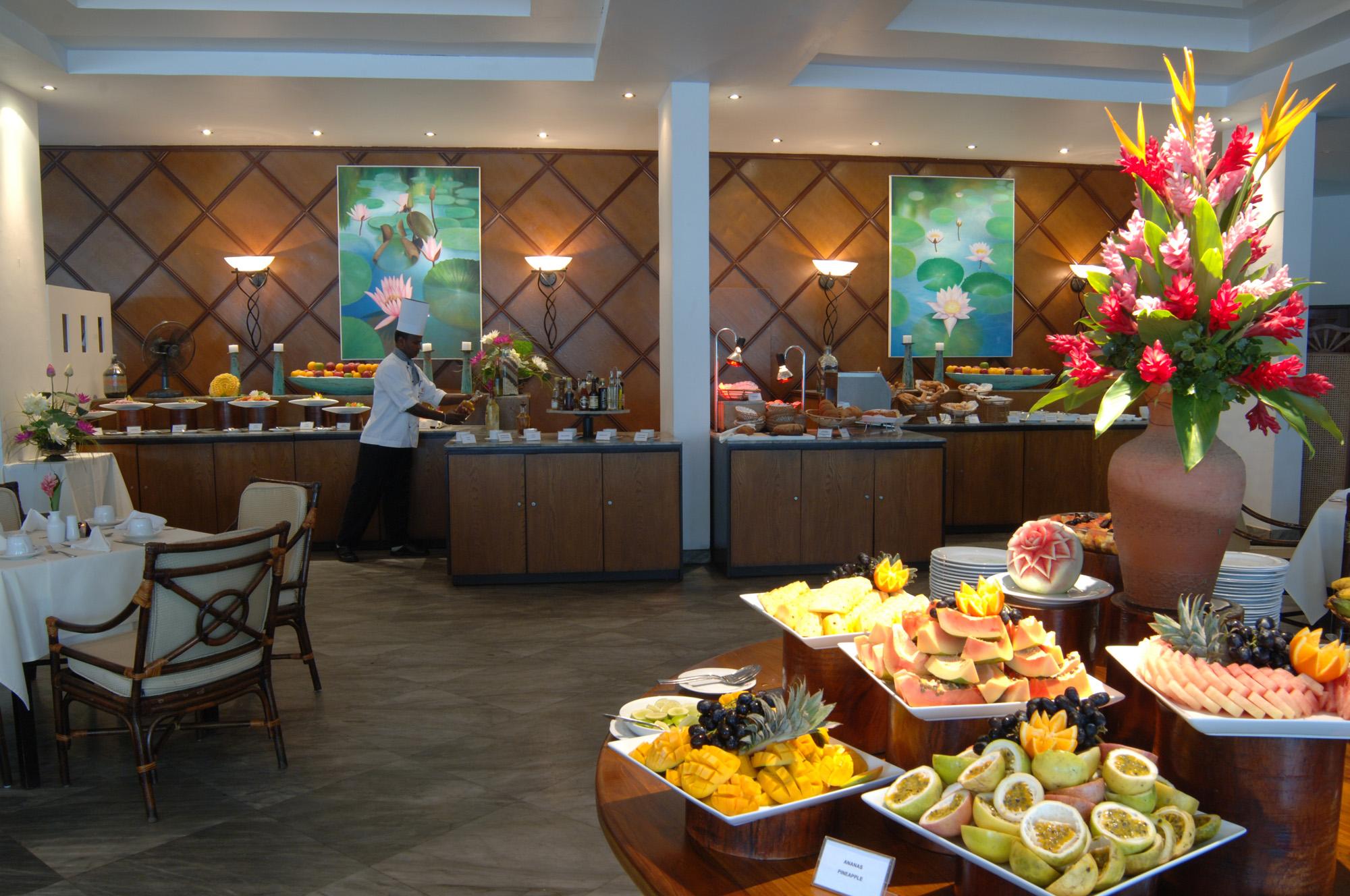 Batahira Restaurant Buffet im Lanka Princess