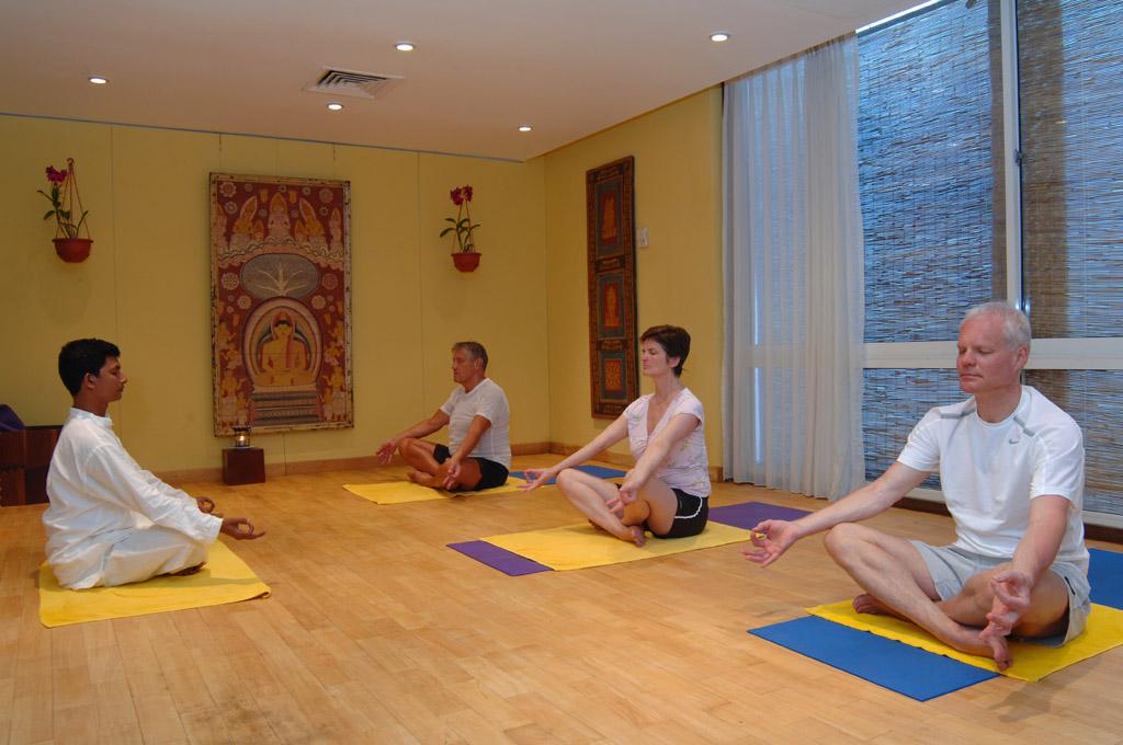 Yoga Sitzung im Hotel Lanka Princess
