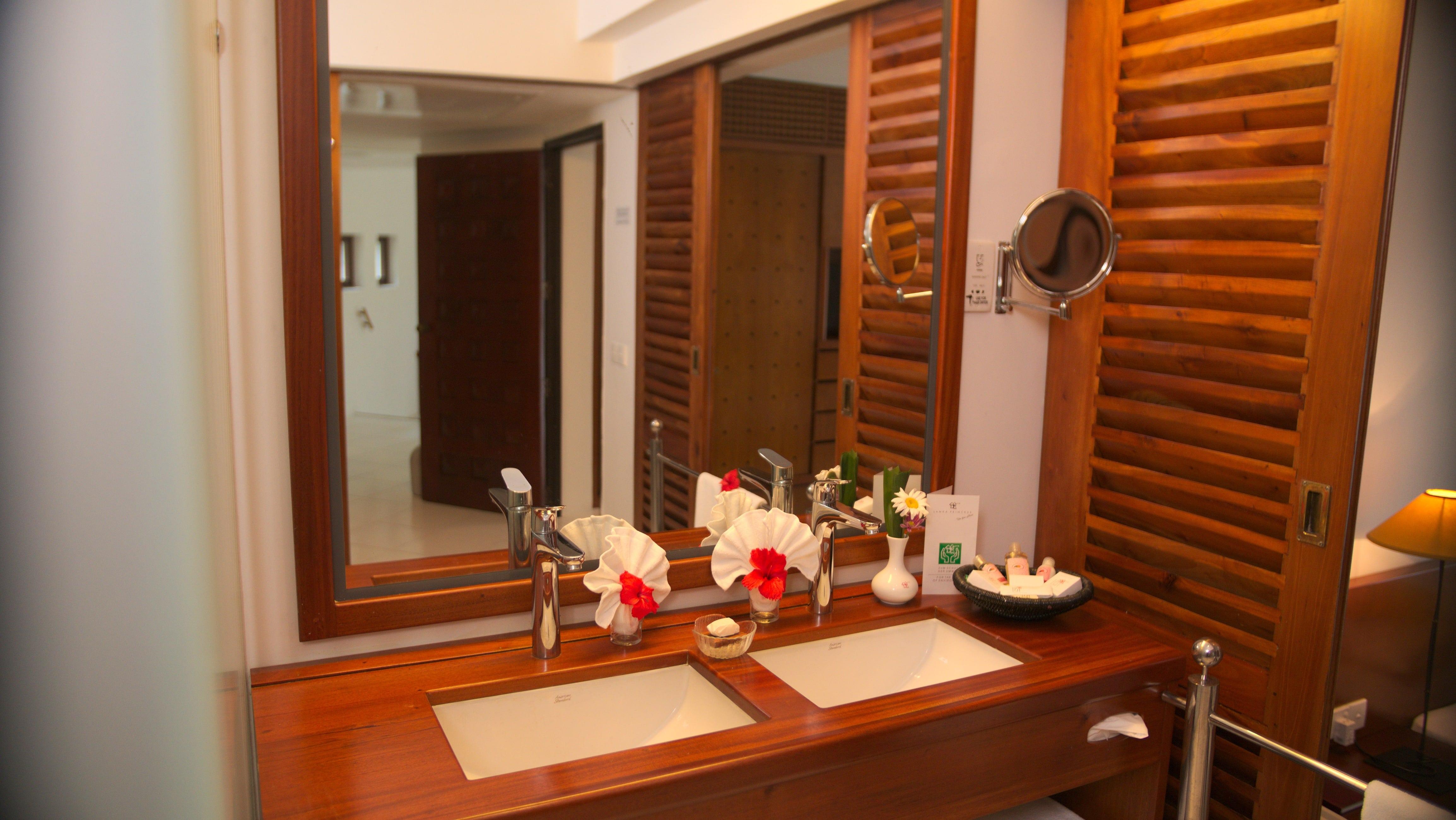 Suite Superior plus Badezimmer im Ayurveda Hotel Lanka Princess, unter deutscher Leitung in Sri Lanka