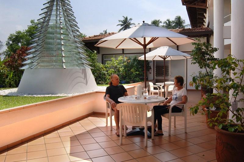 Kaffee im Innenhof des Hotels