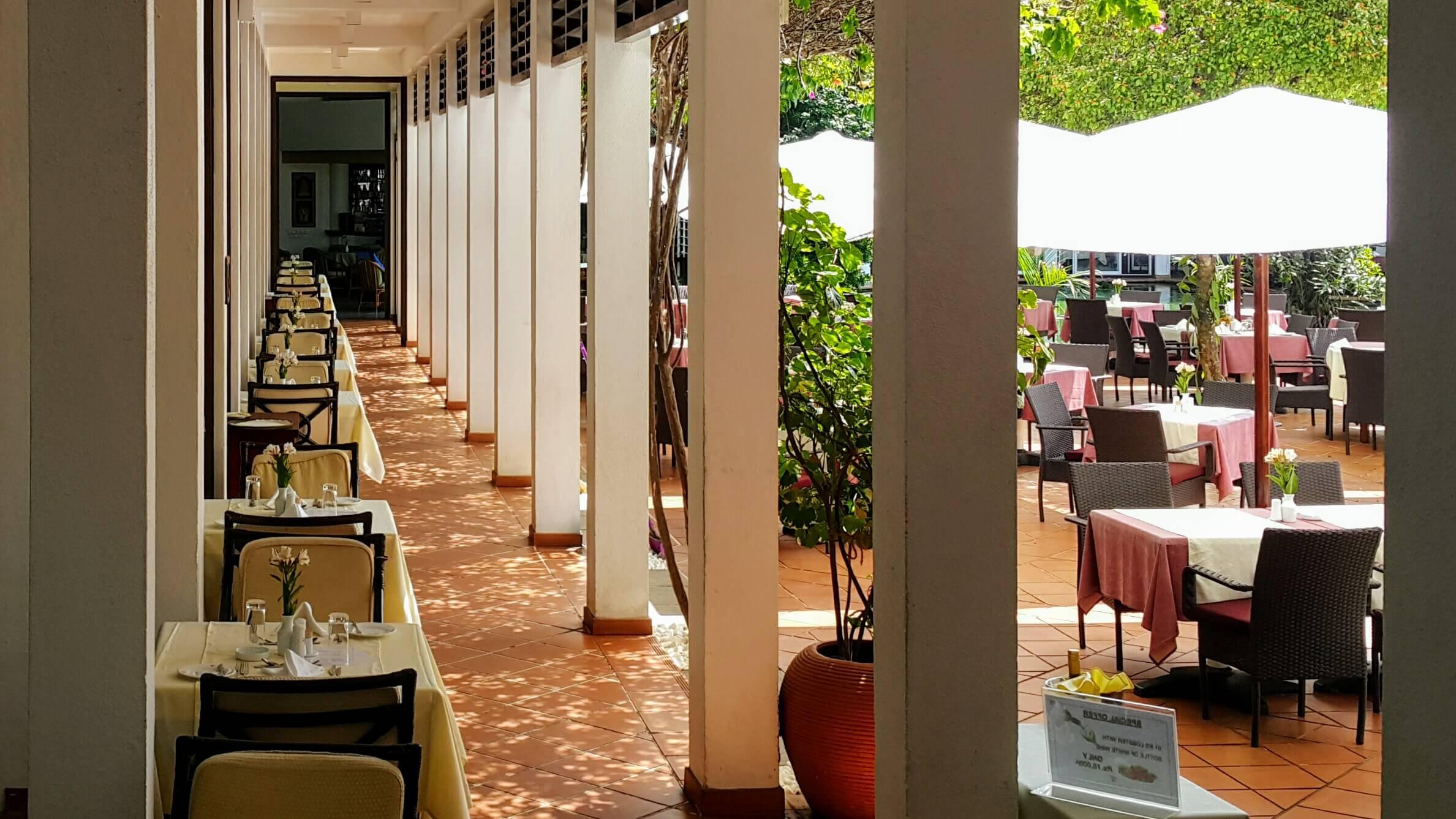 Restaurant Terrasse im Lanka Princess, dem Ayurveda Hotel in Sri Lanka unter deutschen Leitung